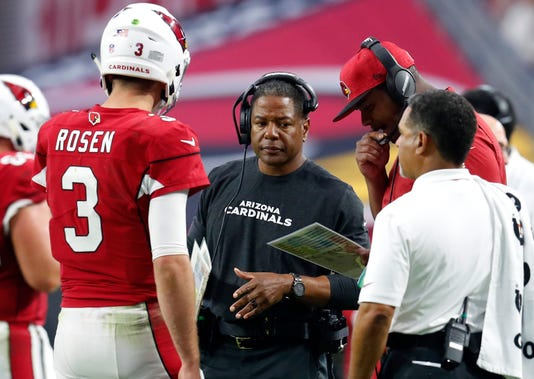 Arizona Cardinals head coach Steve Wilks listens in on a meeting of  quarterback Josh Rosen and offensive coordinator Byron Leftwich on Sunday 2248bb4f5