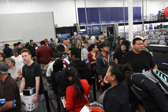 Shoppers look for Black Friday deals at Best Buy in Tempe Marketplace, near McClintock Drive and Rio Salado Parkway in Tempe, on Thursday, Nov. 22, 2018.
