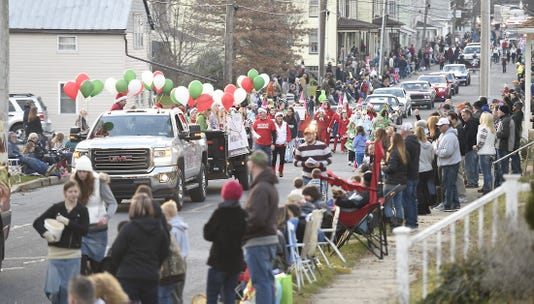 Ldn Mkd 112517 Myerstown Holiday Parade