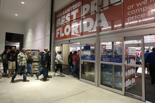 Academy Sports and Outdoors on Mahan Drive had a line of over 100 people before the store opened at 5 a.m. as shoppers prepared to grab Black Friday deals bright and early, Friday, Nov. 23, 2018.
