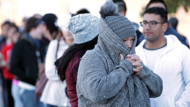 Crowds Line Up On Black Friday In El Paso But Madness Is Night Before