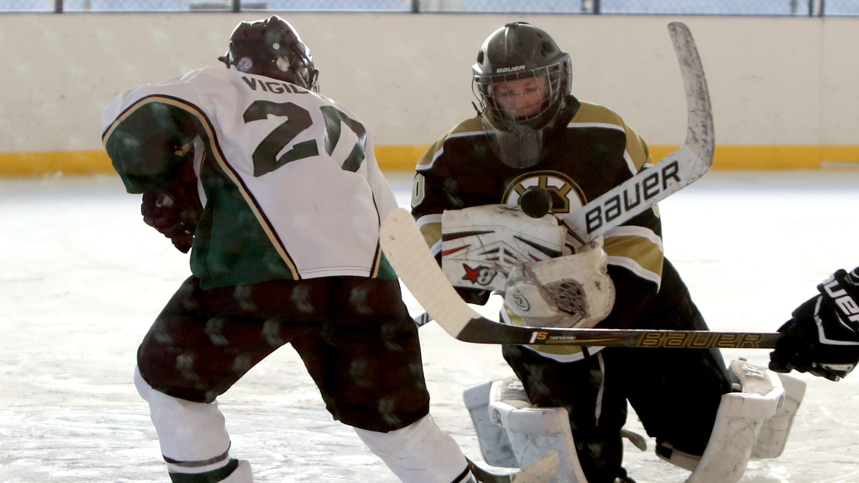 Hockey Late Goal By Clarkstown Results In A 2 2 Tie With Brewtown