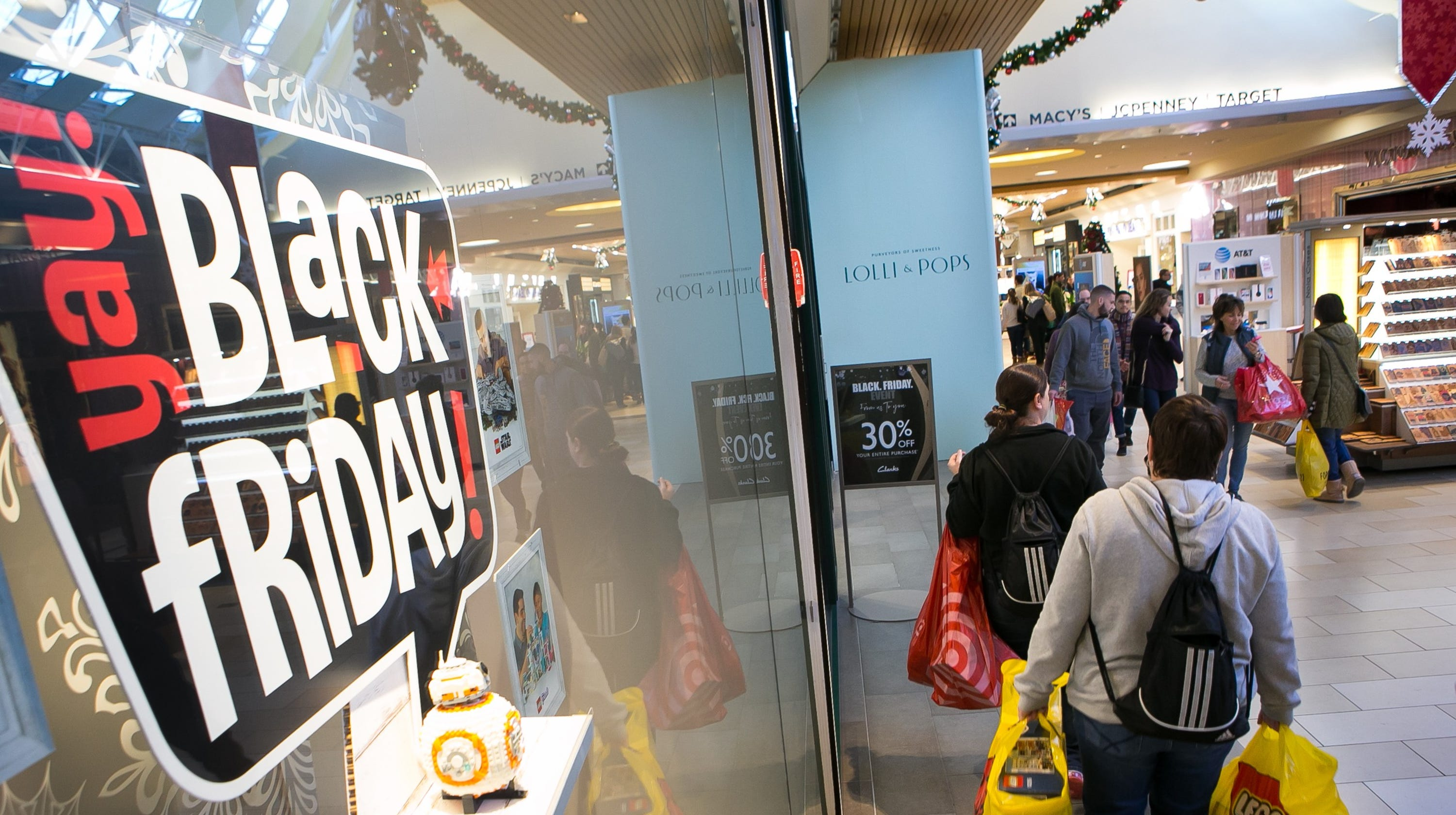 d7b34b2753ba13 Shoppers hit the stores for Black Friday deals