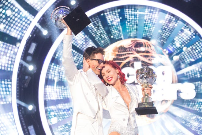 """The newest """"Dancing with the Stars"""" winners, Bobby Bones and Sharna Burgess."""