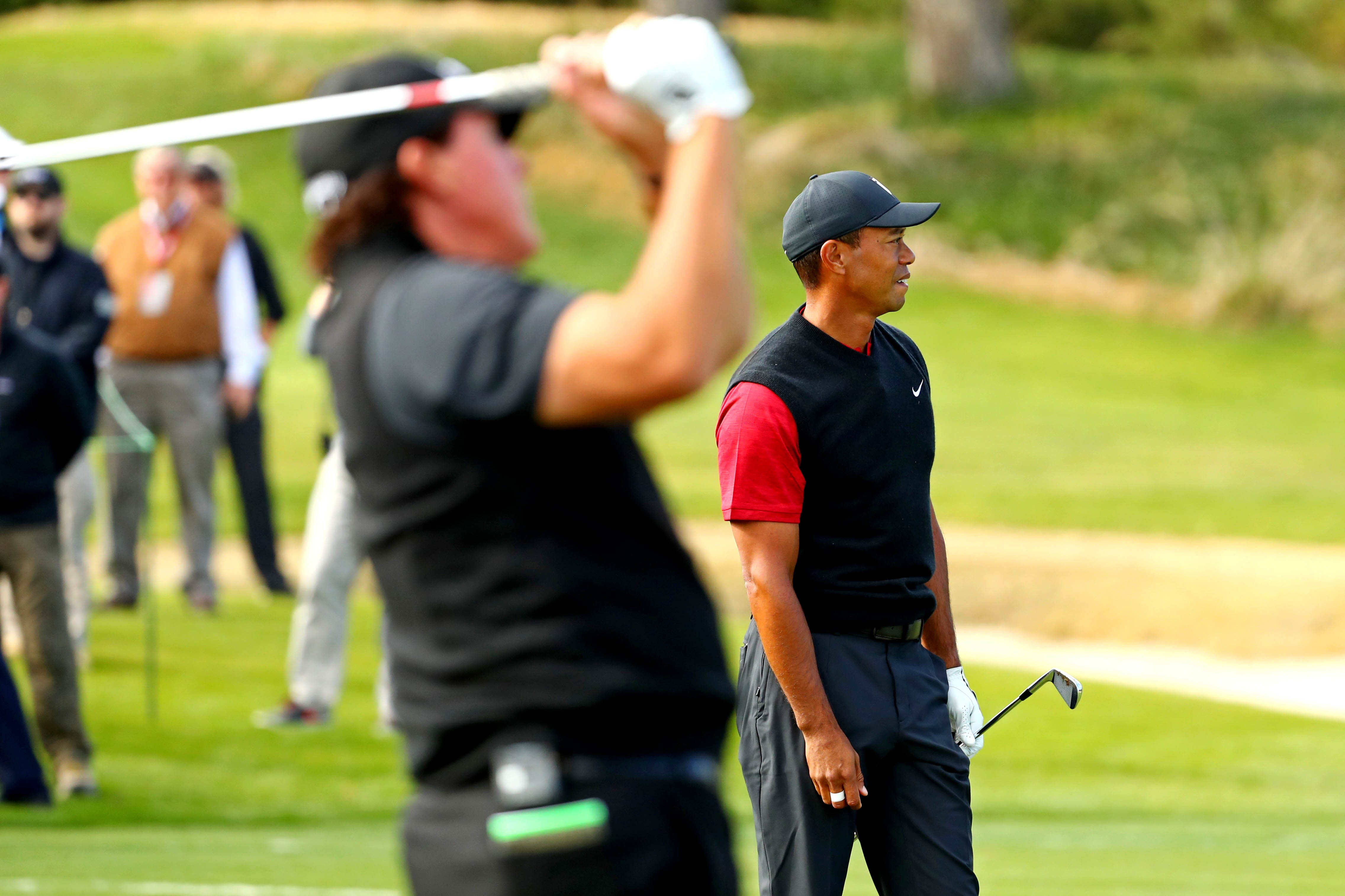 the match  tracking tiger woods and phil mickelson u0026 39 s  9