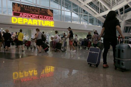 Epa Indonesia Bali Airport Closure Dis Volcanic Eruption Idn