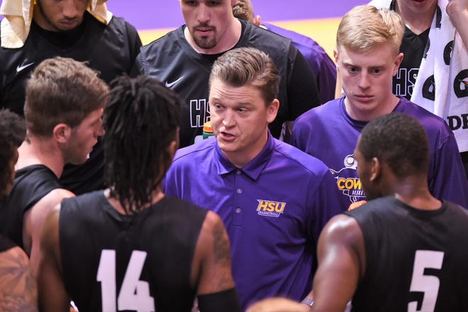 The Hardin-Simmons men's basketball team is coming together under Matt Brackett in his second season. Injuries derailed the Cowboys last year and more depth is making a difference.