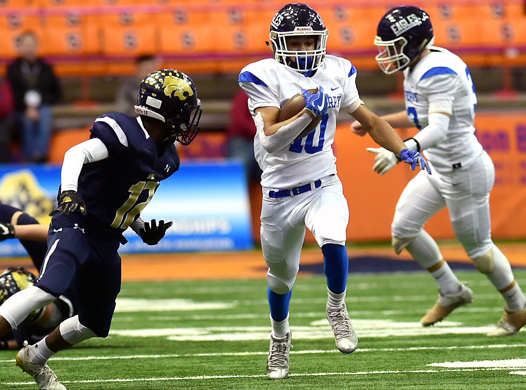 Emilio Nolasco (10) of Dobb's Ferry runs during Susquehanna Valley vs. Dobbs Ferry, Class C NYSPHSAA state football final, Carrier Dome, Syracuse. Friday, November 23, 2018.