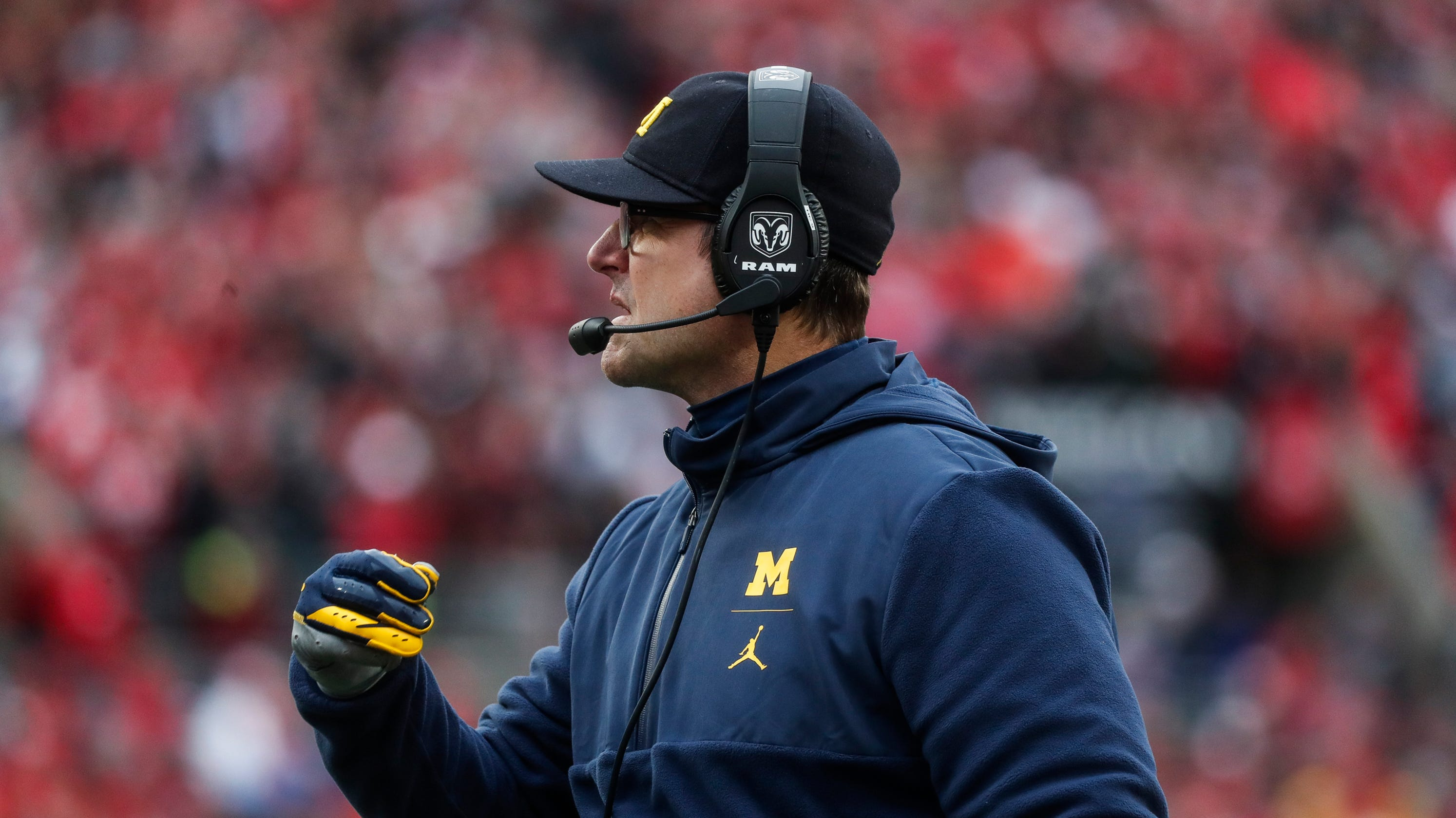 Jim Harbaugh's Michigan remains allergic to bright lights