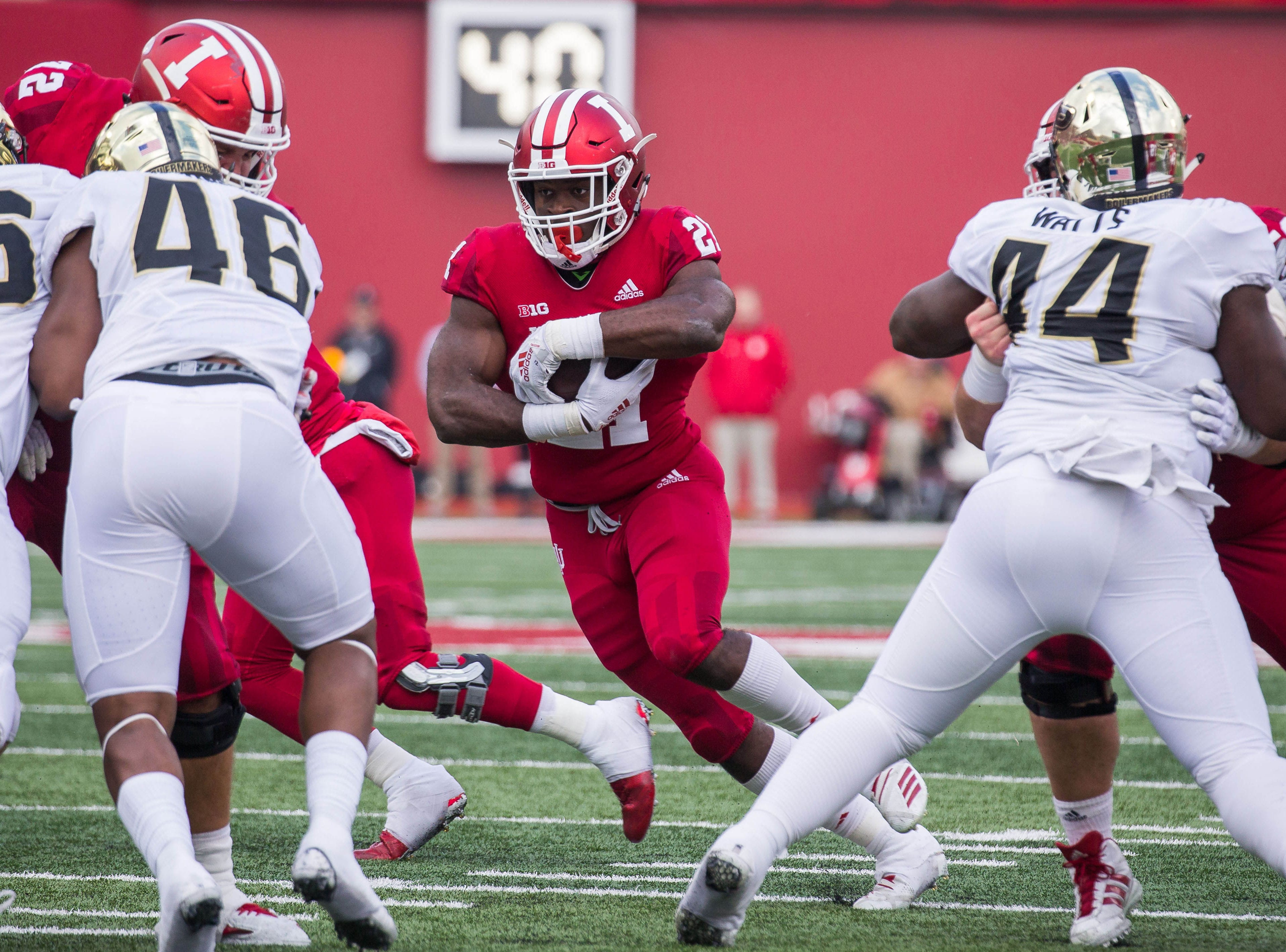 Indiana Hoosiers running back Stevie Scott (21) runs the ball in the first quarter against the Purdue Boilermakers at Memorial Stadium.