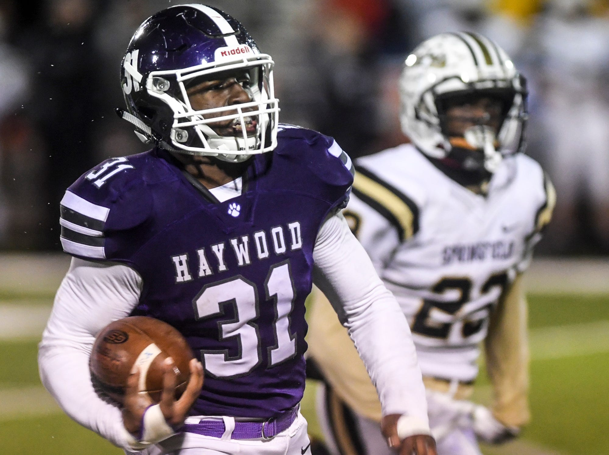 Haywood's Decourtney Reed looks to the end zone for a touchdown during their Class 4A semifinal game, Friday, November 23. Haywood defeated Springfield, 49-14.