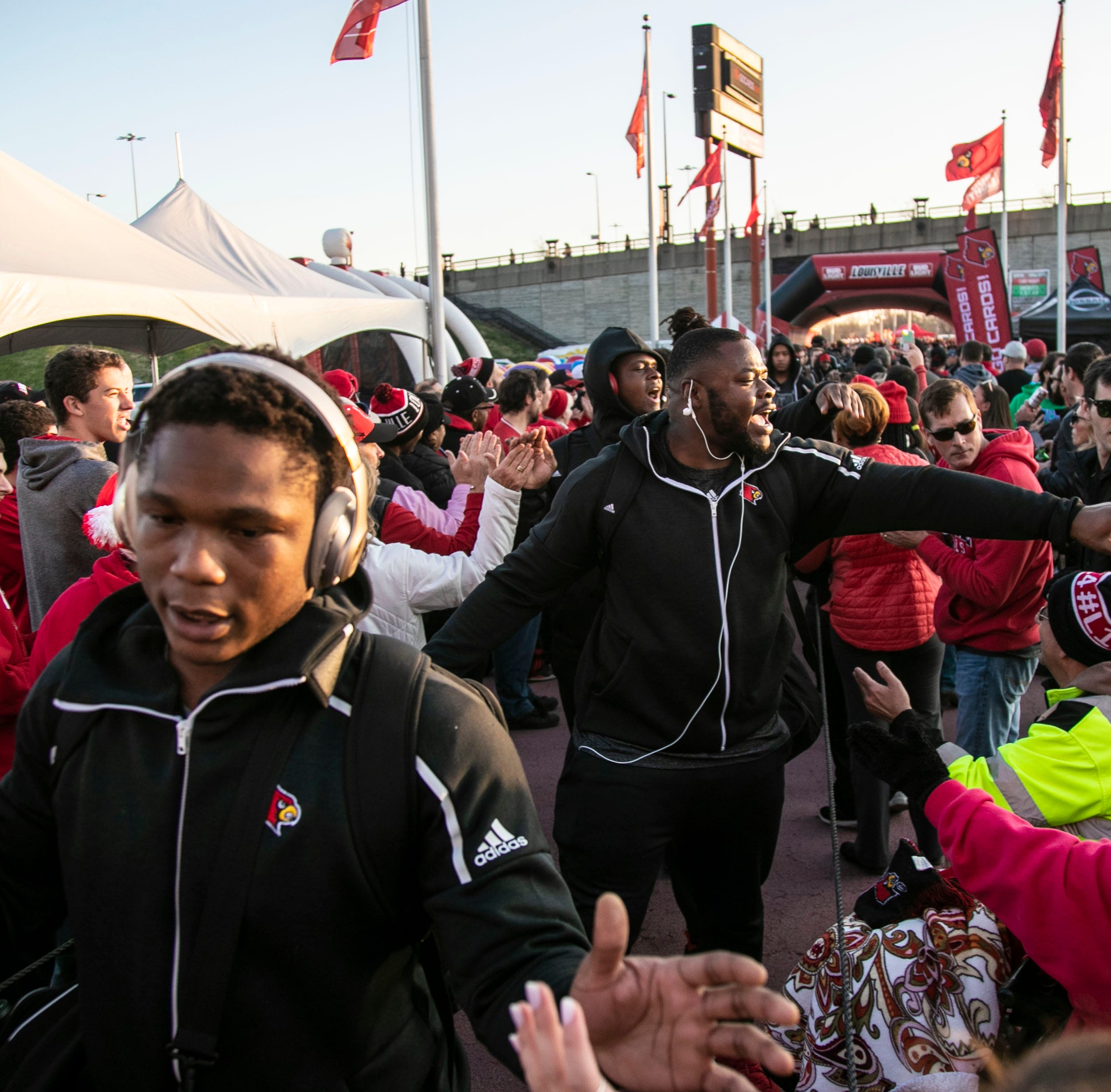 Scott Satterfield finishes Louisville football staff with Gunter Brewer