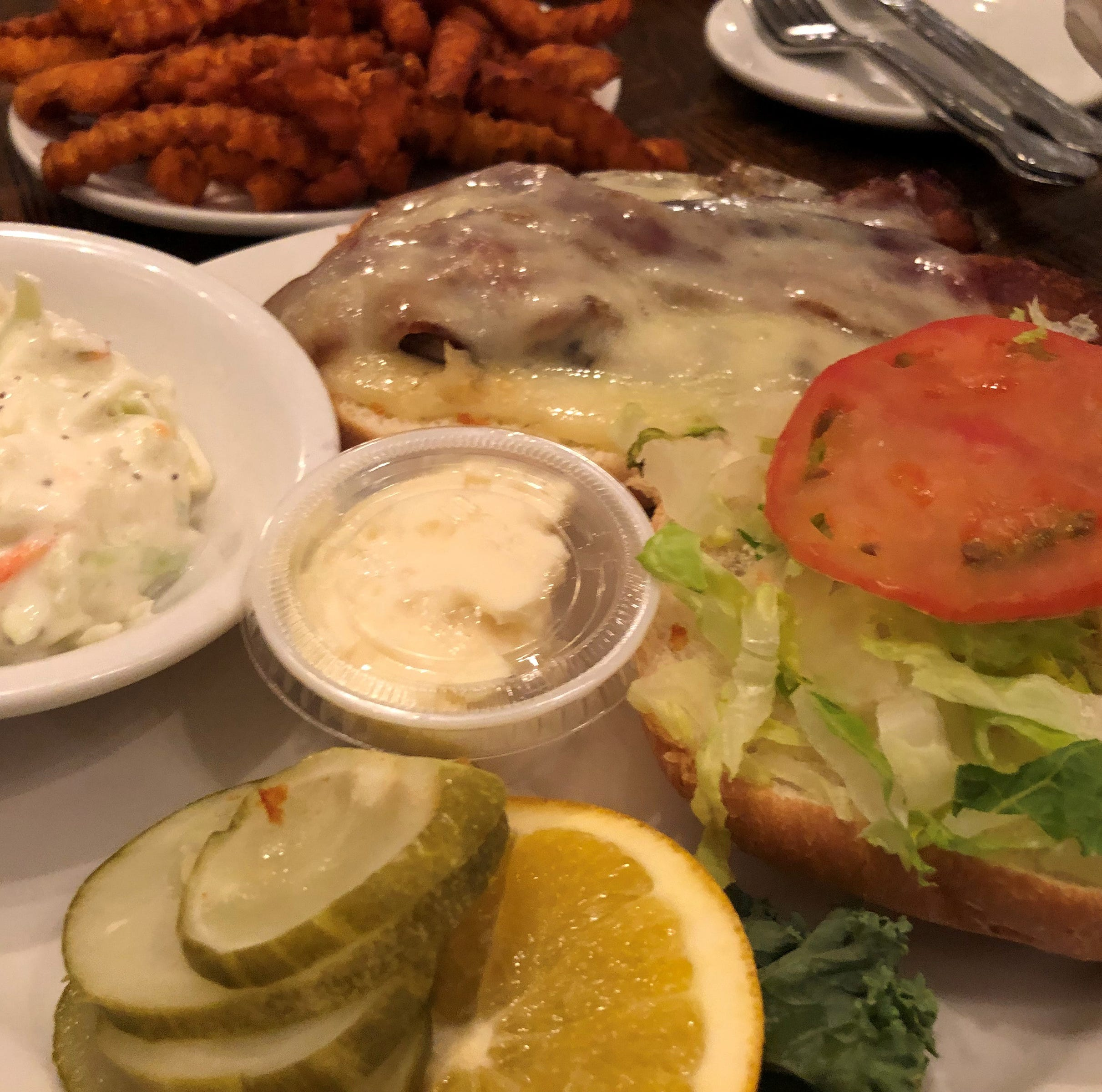 'Watts for Dinner': Kretch's – Unassuming setting, friendly faces make for fun time