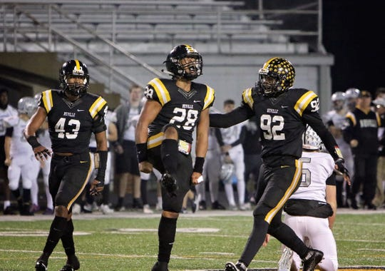 Neville advanced to the Class 4A semifinals last season, losing on the road to eventual state champion Edna Karr. The Tigers have made it to at least the quarterfinal round for 10 consecutive years.