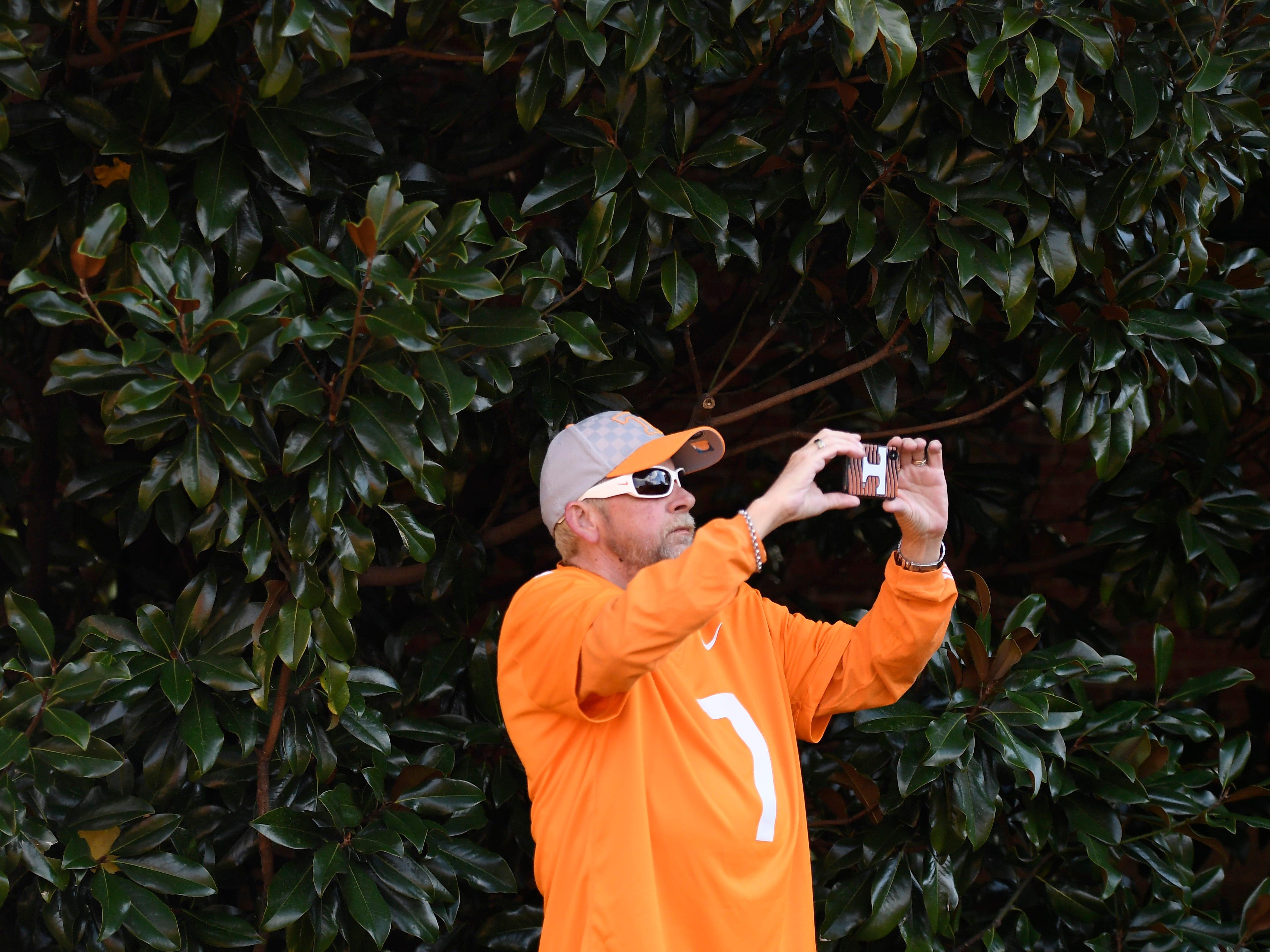 Tim Keen of Gallatin is dressed in Tennessee colors before the game at Vanderbilt Stadium Saturday, Nov. 24, 2018, in Nashville, Tenn.