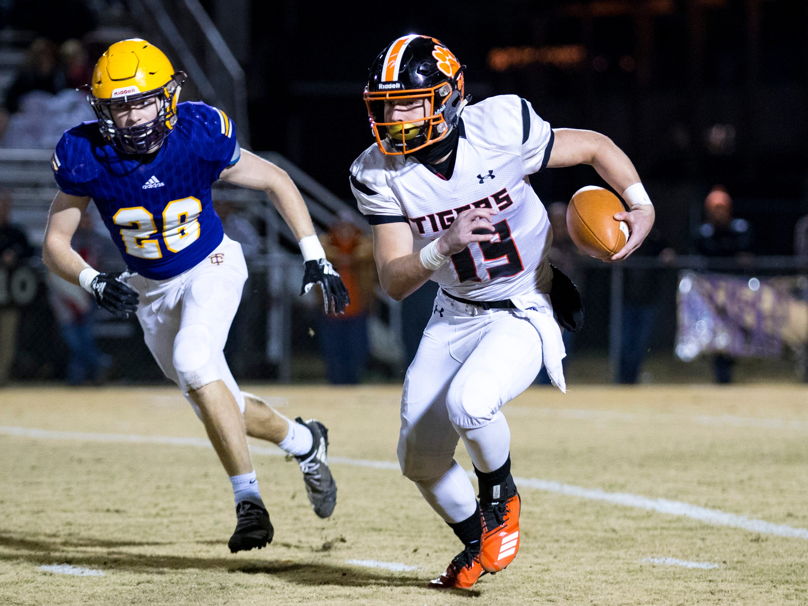 Meigs County's Aaron Swafford (19) runs the ball during Trousdale County's game against Meigs County at Jim Satterfield Stadium in Hartsville on Friday, Nov. 23, 2018.