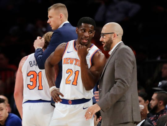 New York Knicks coach David Fizdale talks to guard Damyean Dotson earlier this season. On Sunday, Fizdale will walk back into FedExForum, the home of the Memphis Grizzlies, for the first time since being fired, this time as the head coach of the Knicks.