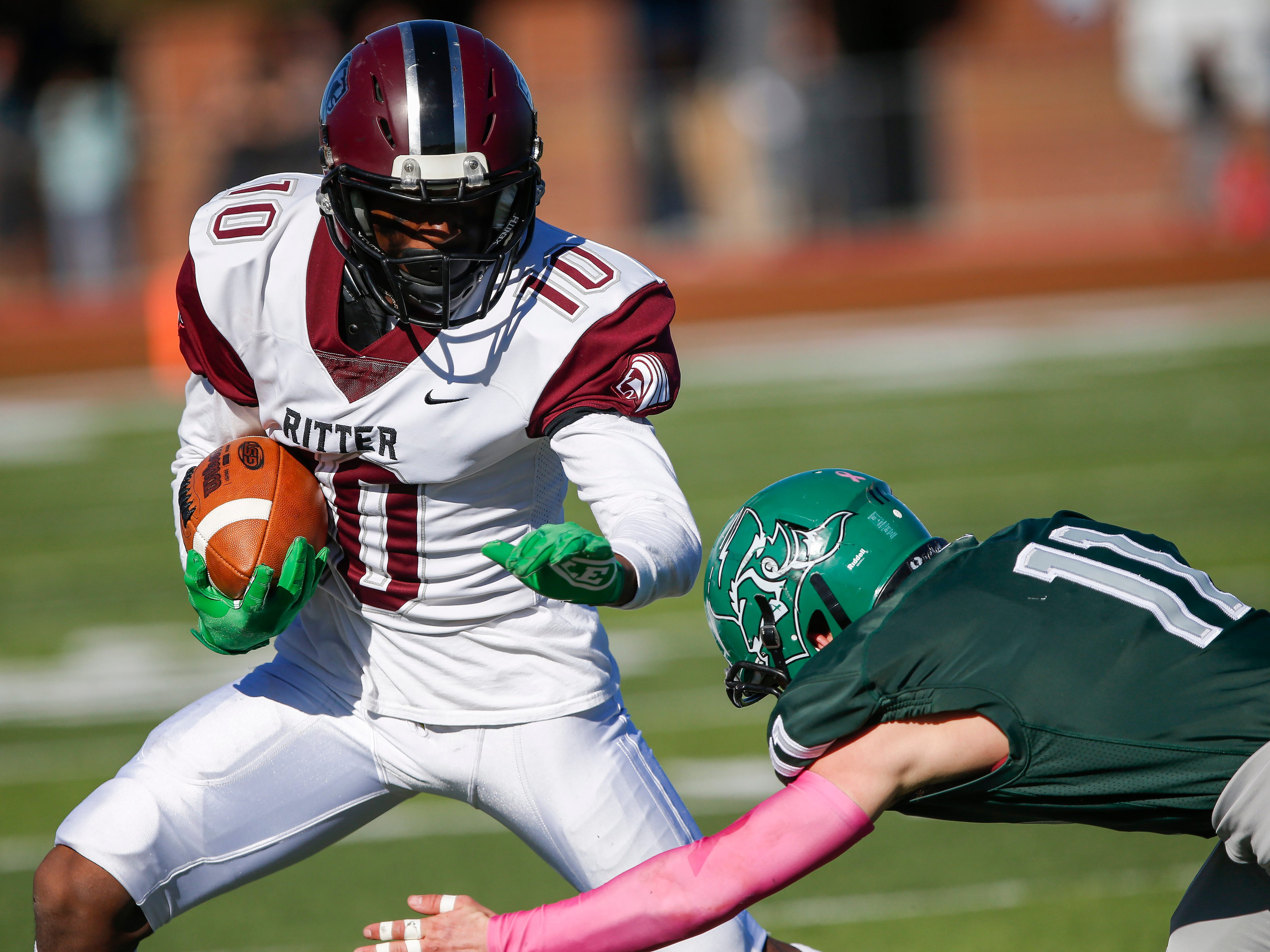 Cardinal Ritter beat Mount Vernon 49-6 at Mount Vernon High School on Saturday, Nov. 24, 2018 to advance to the Class 3 State Championship game.