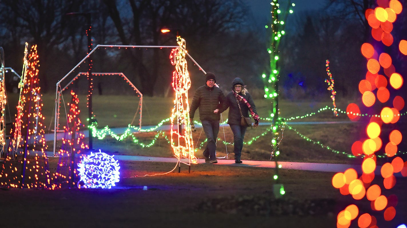 This Weekend Sartell Park Comes Alight For Country Lights