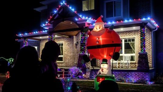 Cc 1123 Christmas Lane 01