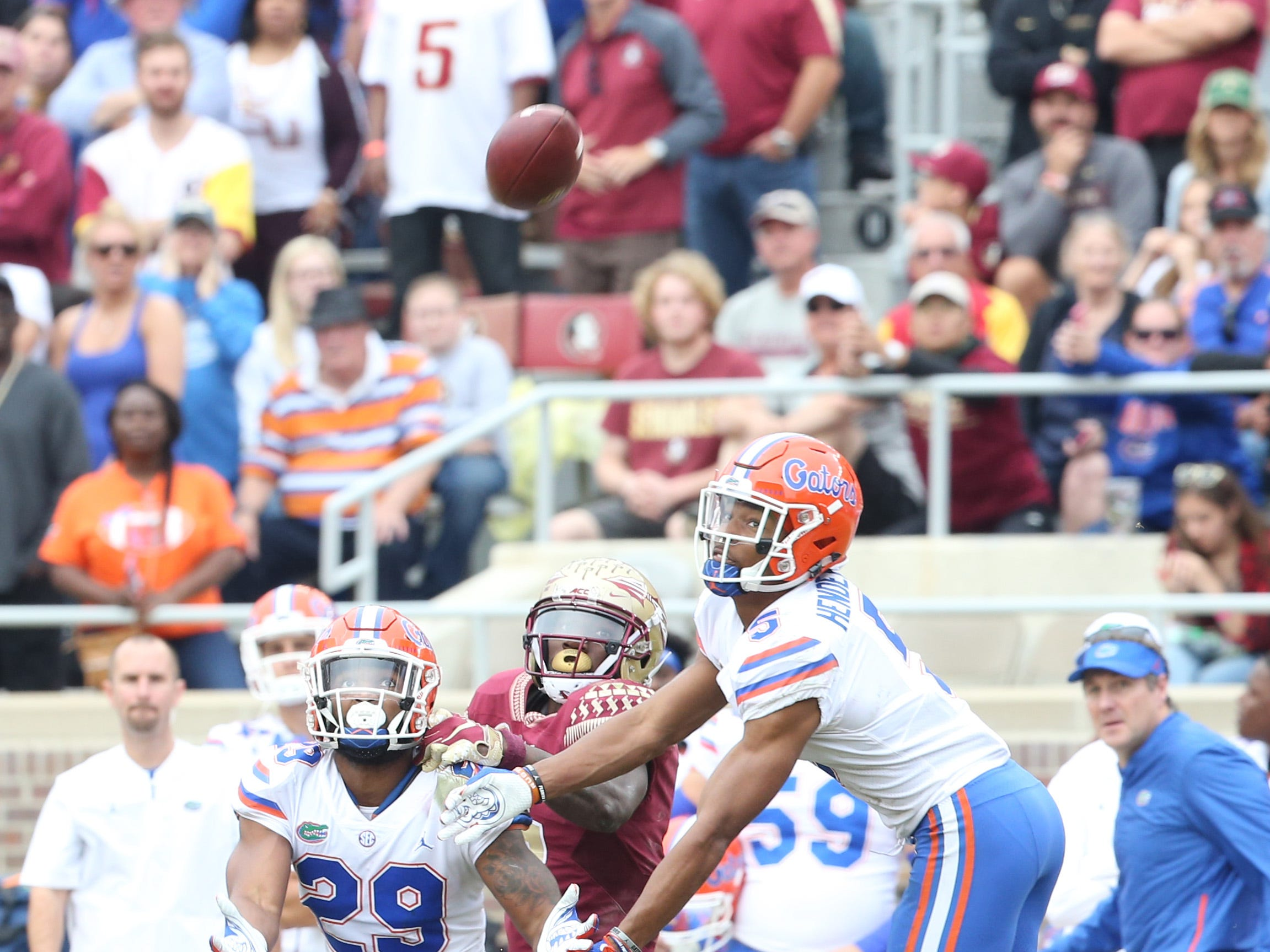 The Gators offense try to complete the pass as the Florida State Seminoles take on their rival the Florida Gators in college football at Doak S. Campbell Stadium, Saturday, Nov. 24, 2018.