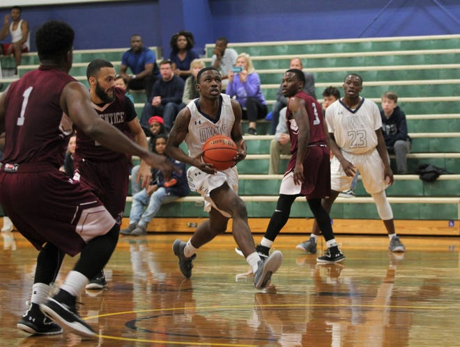 The Warren Wilson Owls improved to 5-7 with consecutive wins over Regent University and Clinton College on Nov. 30 and Dec. 5, respectively.