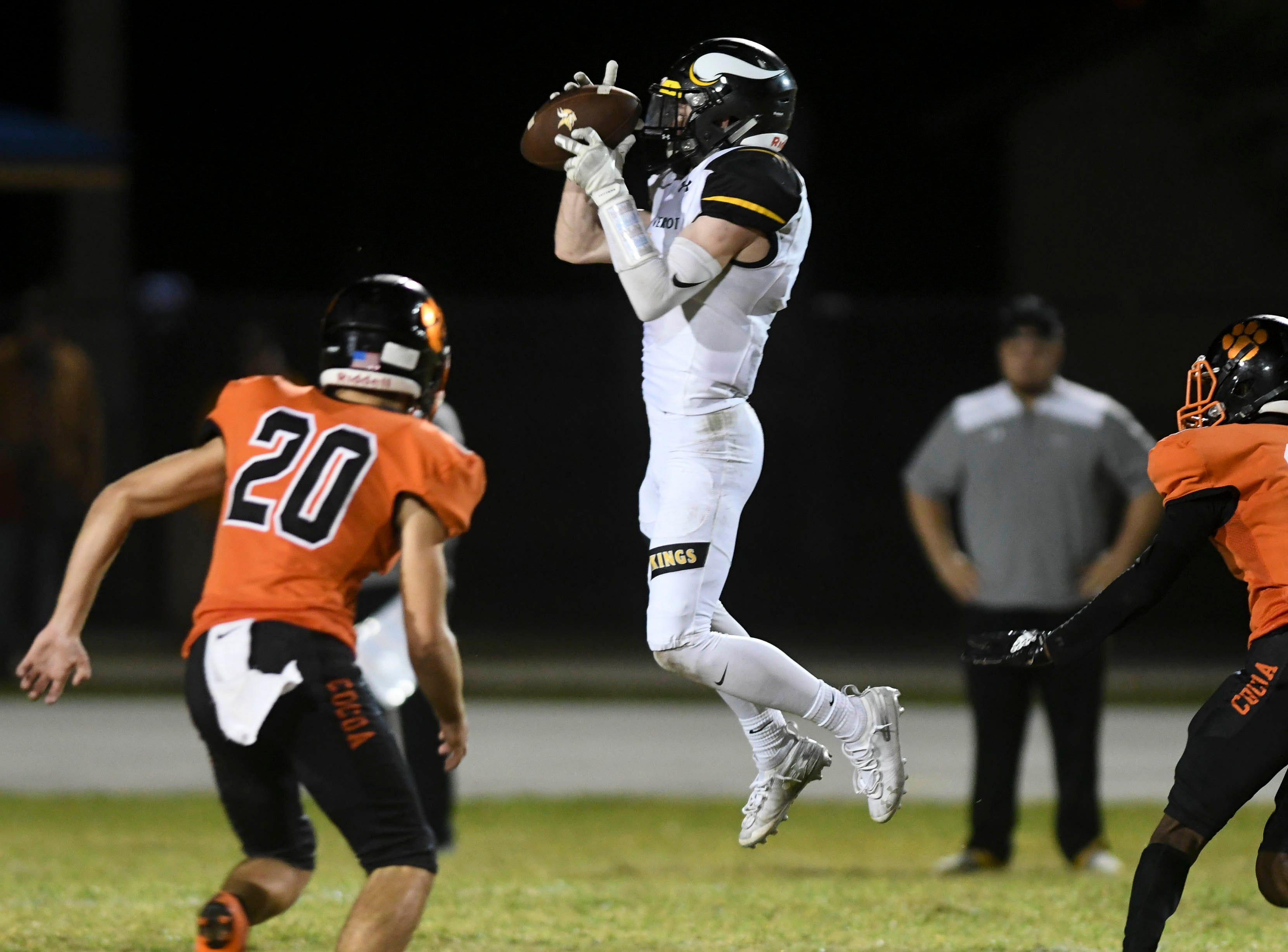 Allen Pierce of Bishop Verot catches a pass during Friday's game against Cocoa.