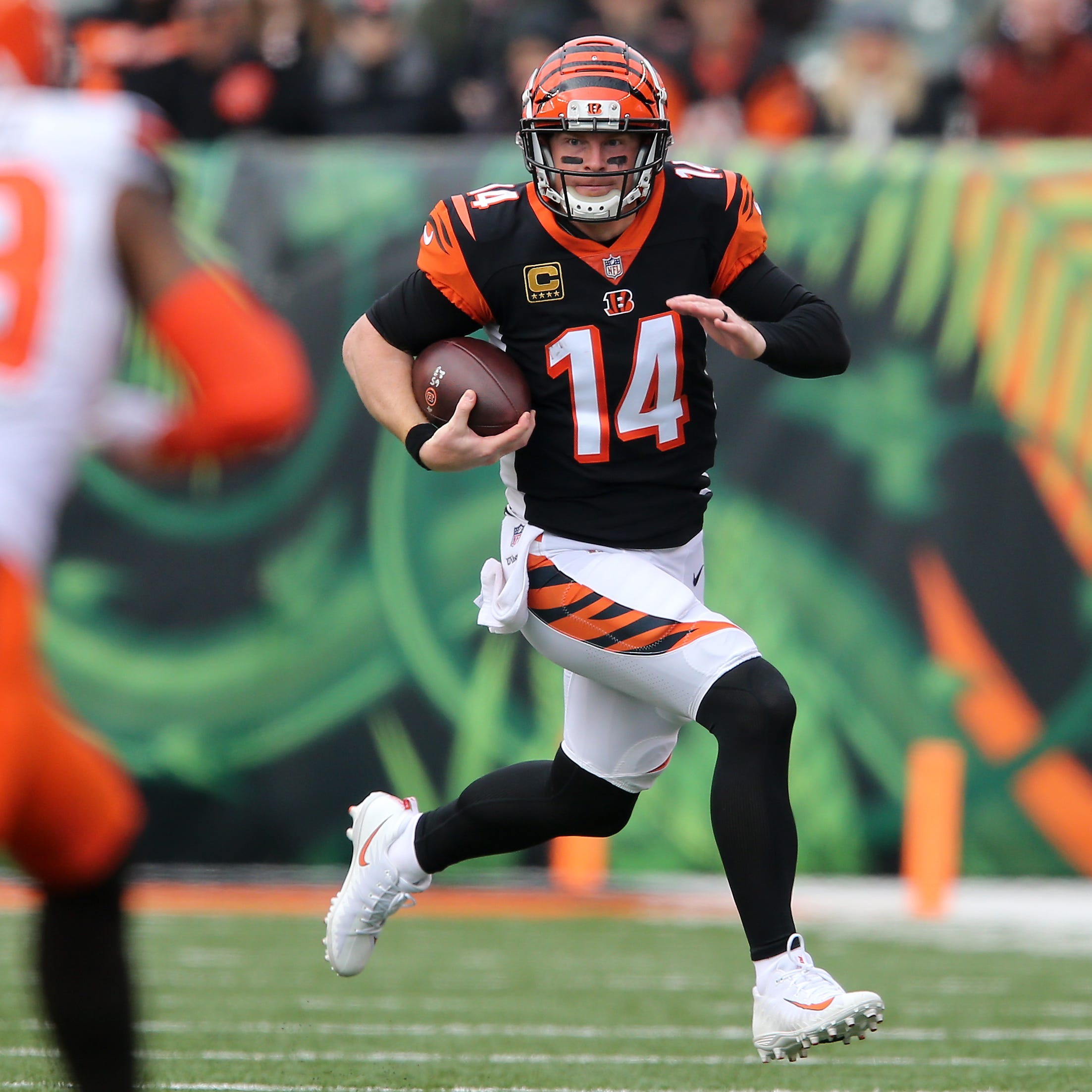 Analysis: Cincinnati Bengals back Andy Dalton, but nothing is definitive at quarterback