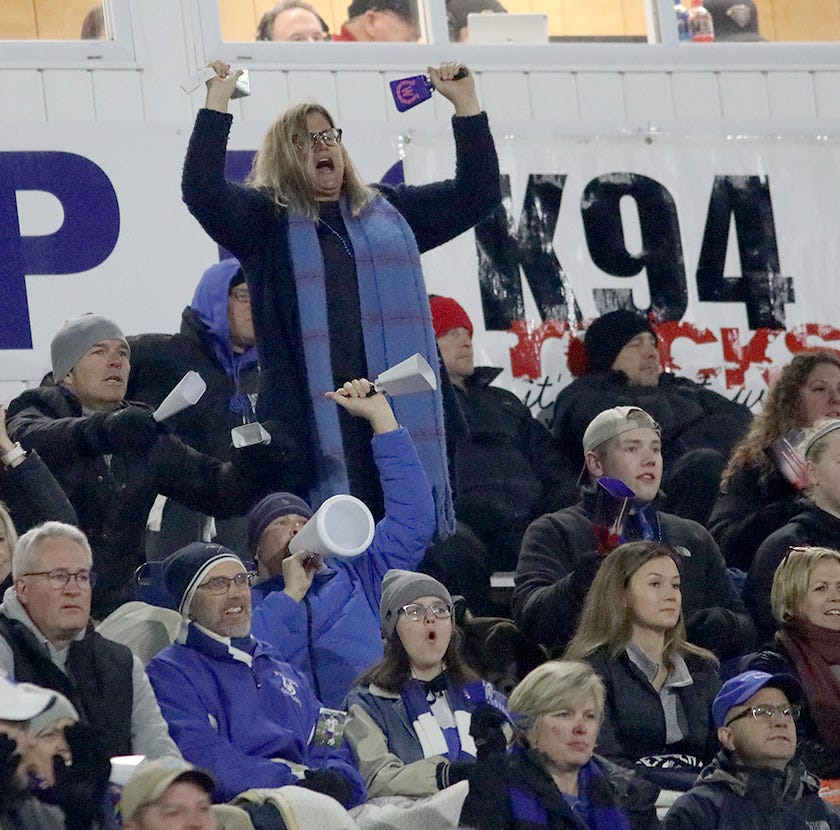 Dear Mom and Dad: Cool it at high school sporting events