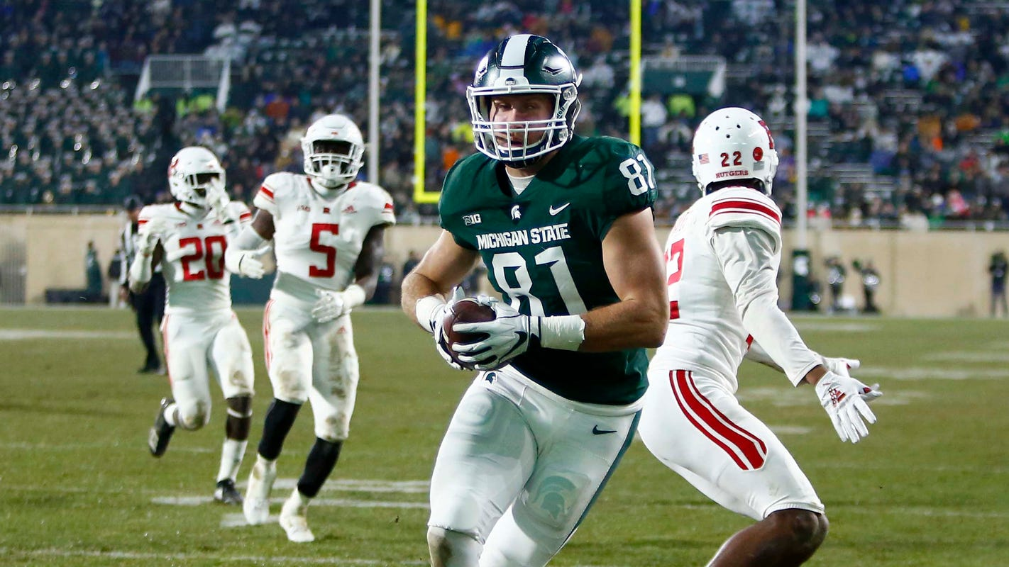 Michigan State's Matt Sokol scores elusive TD on senior day