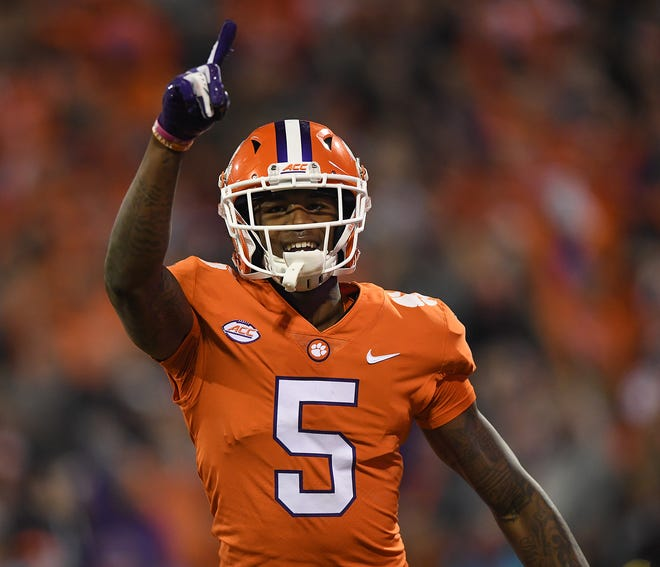 Clemson wide receiver Tee Higgins (5) points to the student section after catching a TD against South Carolina during the 1st quarter Saturday, November 24, 2018 at Clemson's Memorial Stadium.