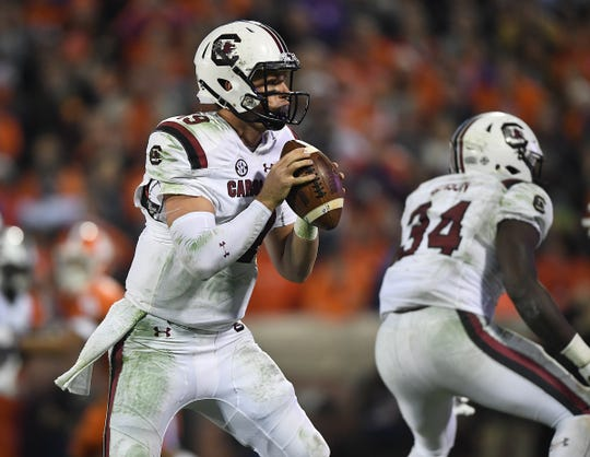 South Carolina quarterback Jake Bentley (19) plays against Clemson during the 2nd quarter Saturday, November 24, 2018 at Clemson's Memorial Stadium.