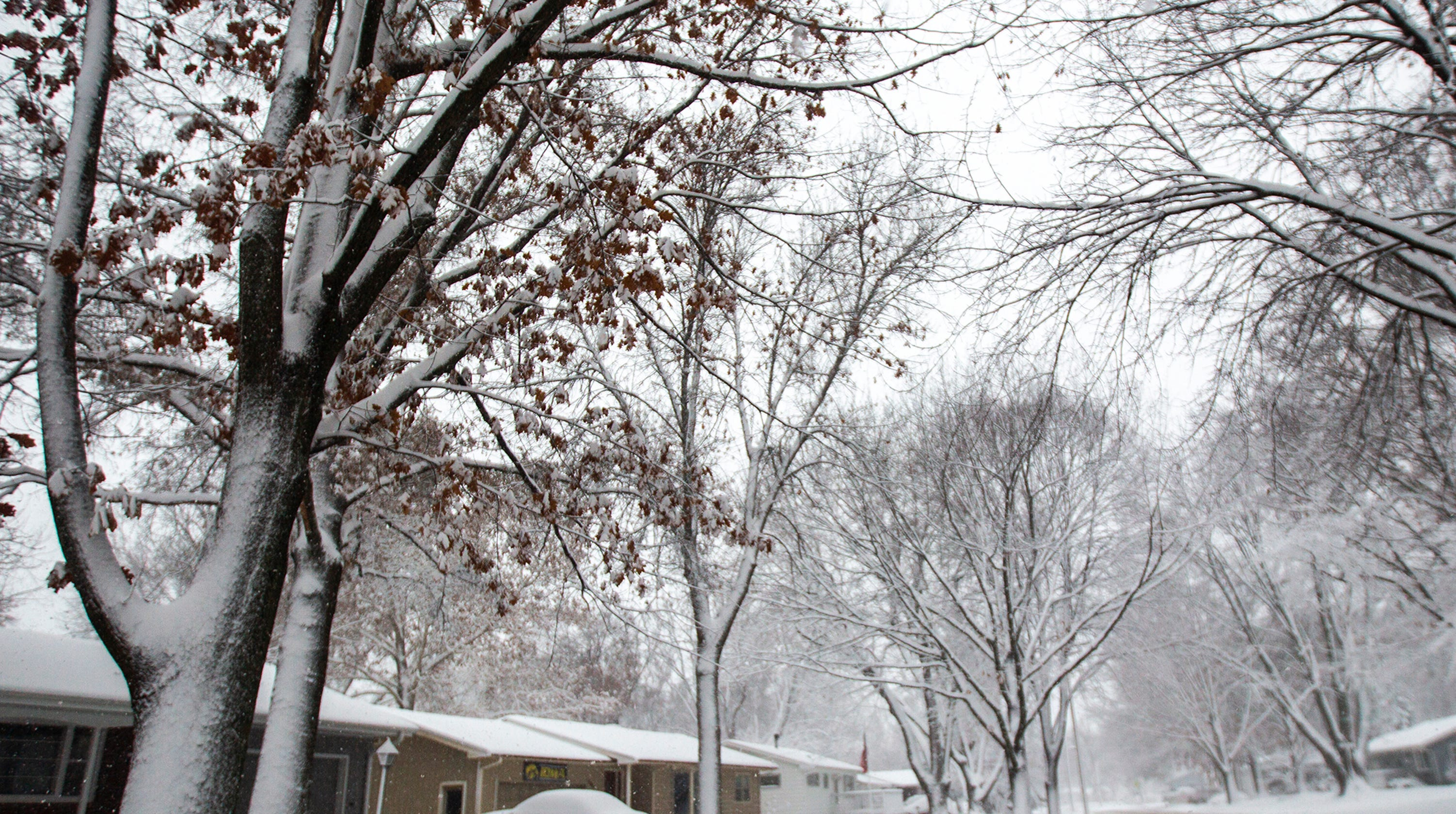 iowa snow blizzard like conditions dump up to 17 inches of snow