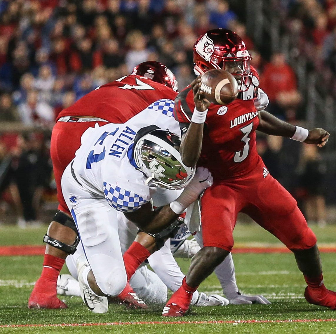 Kentucky football places multiple players on AP All-American squad