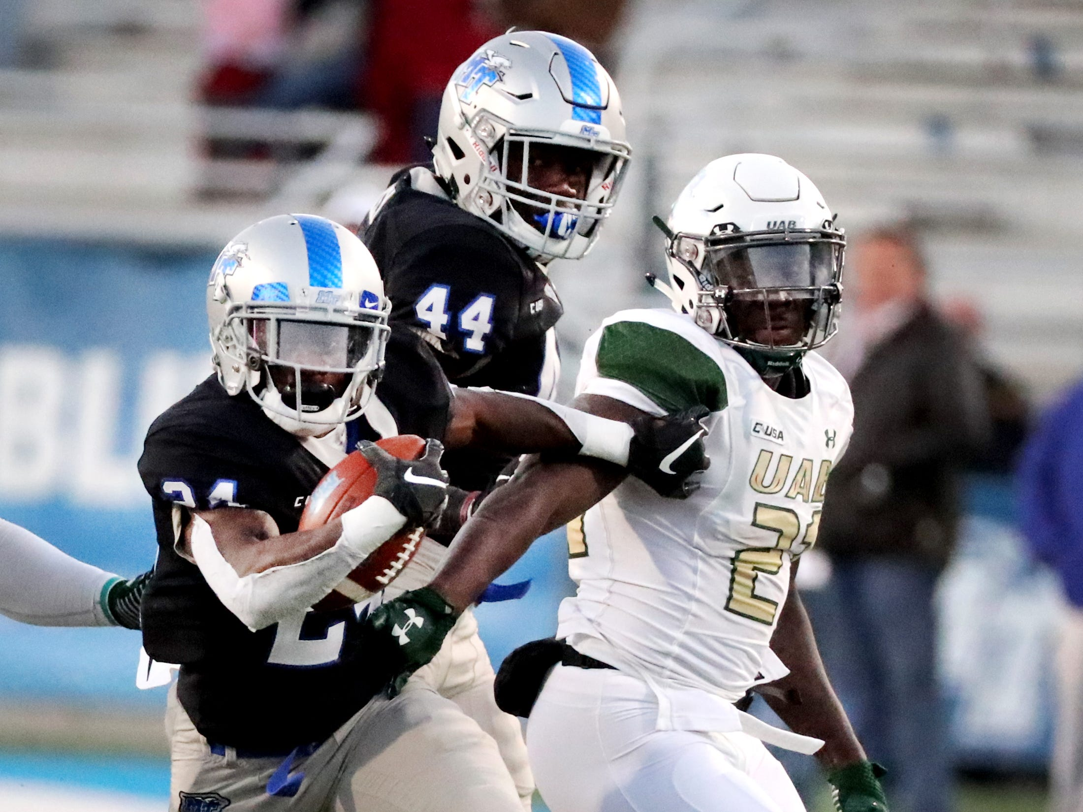 MTSU's Zack Dobson (24) runs the ball in for a touchdown against UAB at MTSU on Saturday, Nov. 24, 2018.
