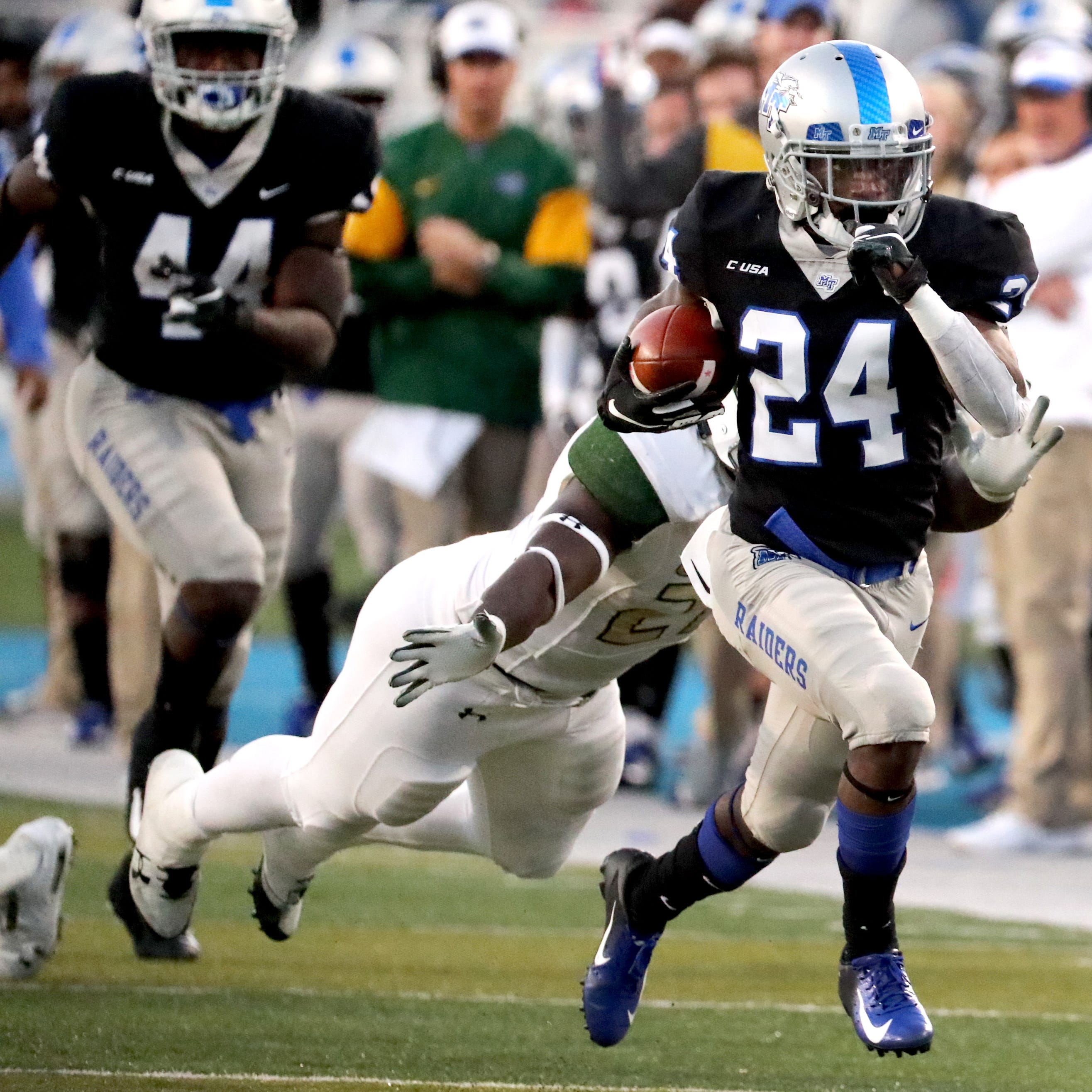 MTSU wide receiver Zack Dobson ejected for targeting in New Orleans Bowl