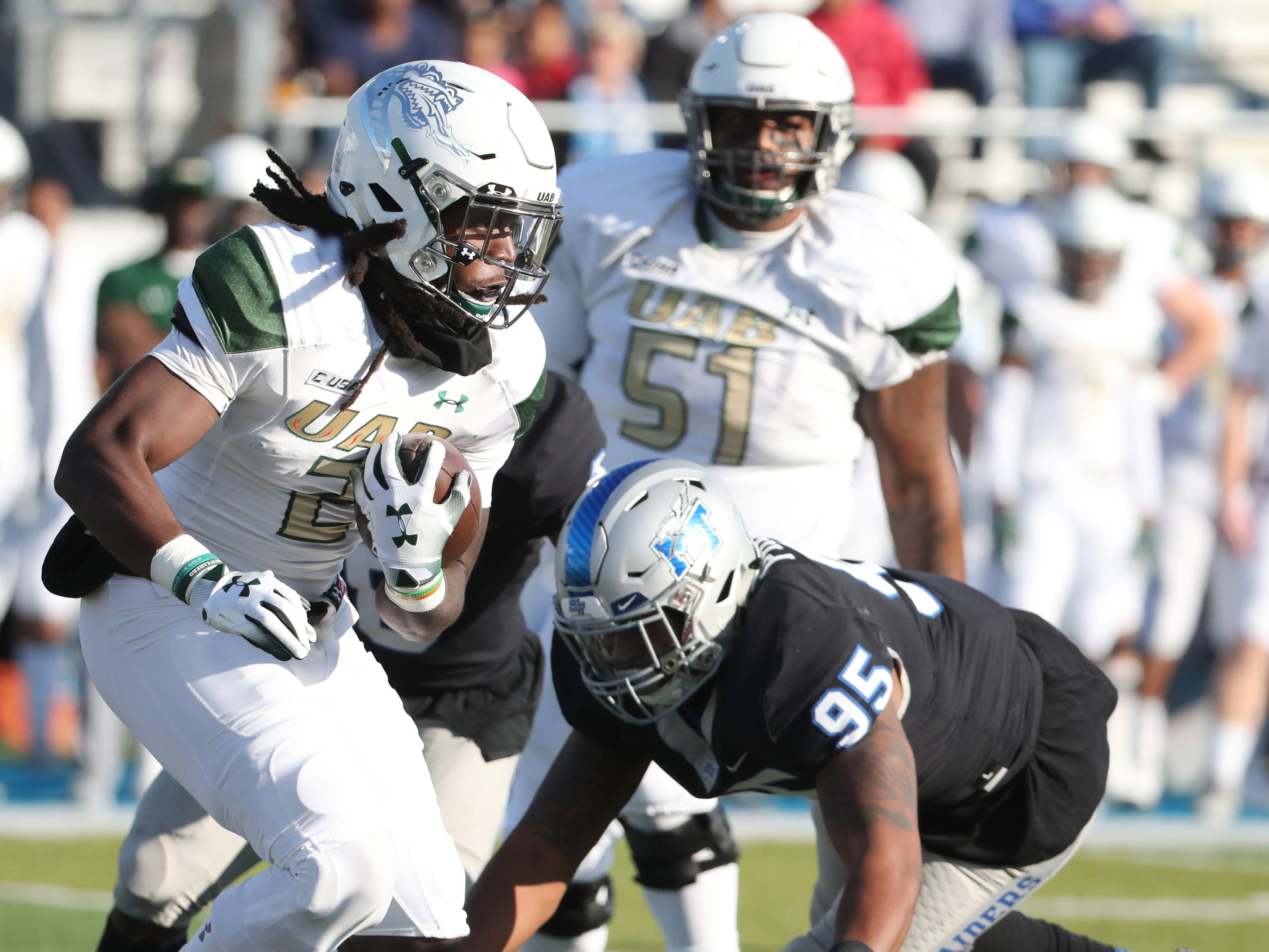 UAB's Lucios Stanley (2) runs the ball during the game against MTSU at MTSU on Saturday, Nov. 24, 2018.
