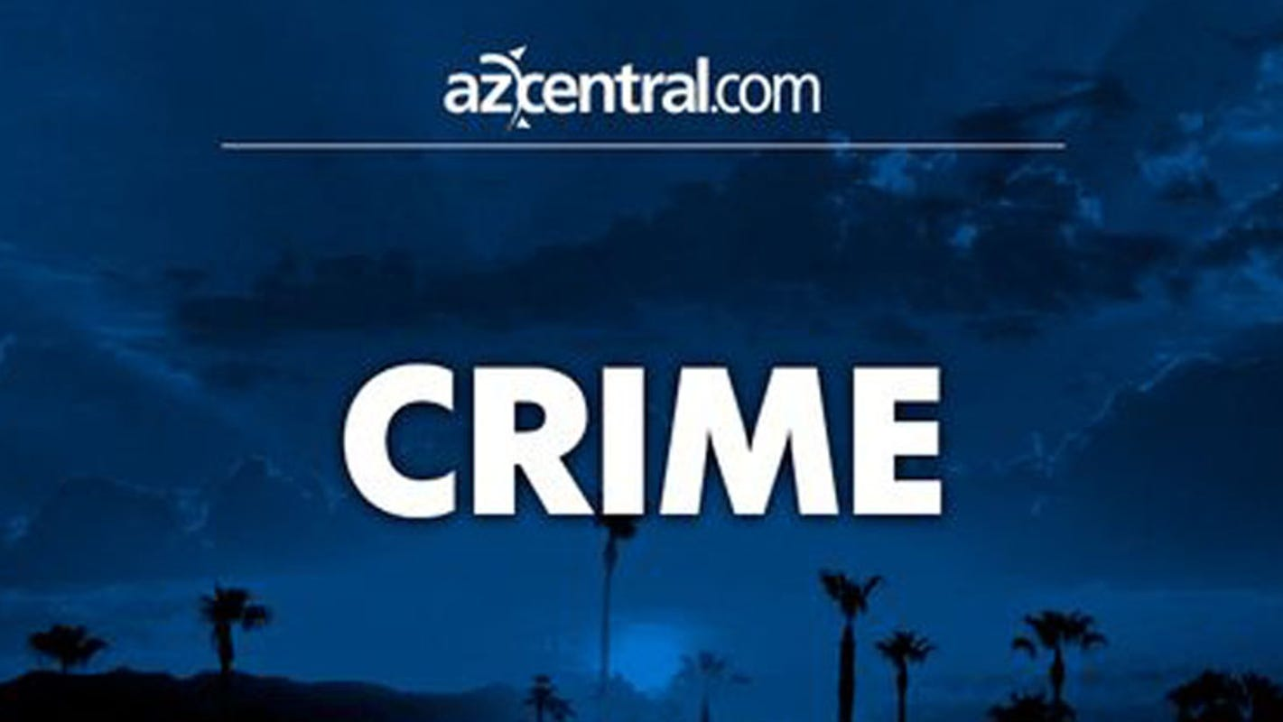 Carjacking suspects flee police in Tempe, cause 5-vehicle crash in Scottsdale