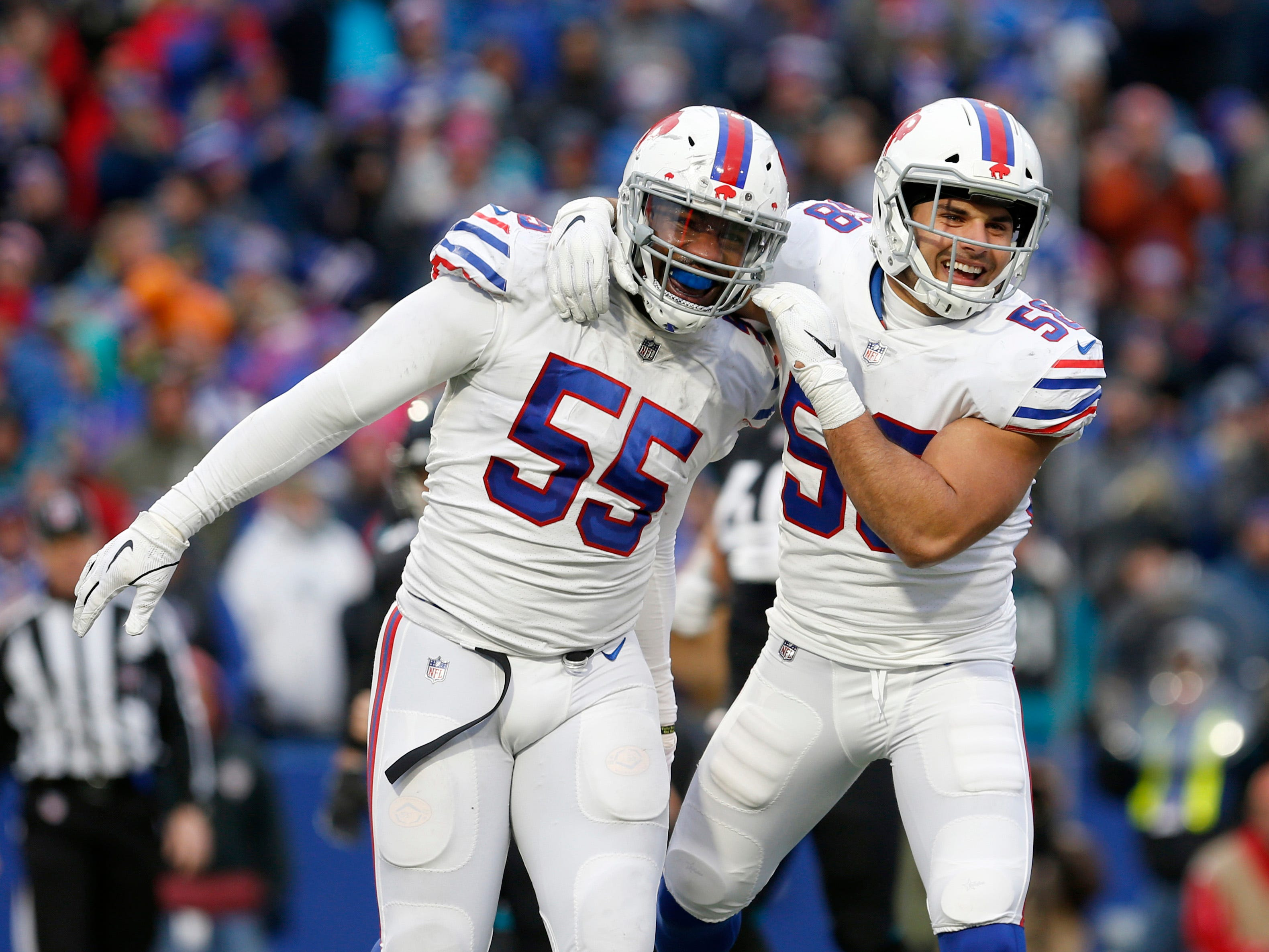'He called me a b----': Bills' Jerry Hughes confronts NFL official after game