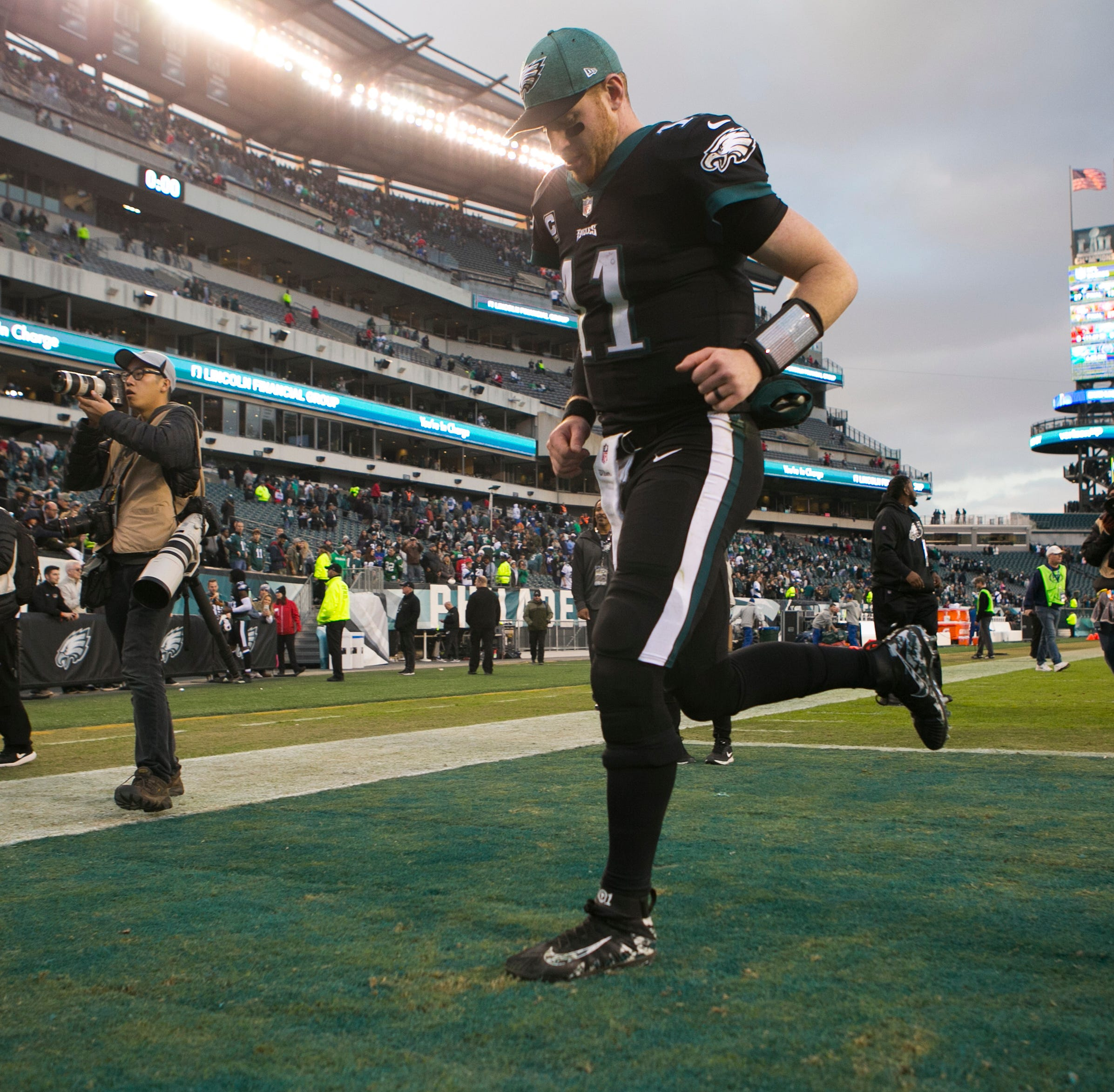 Eagles' offseason: 5 burning questions, beginning with Carson Wentz's contract