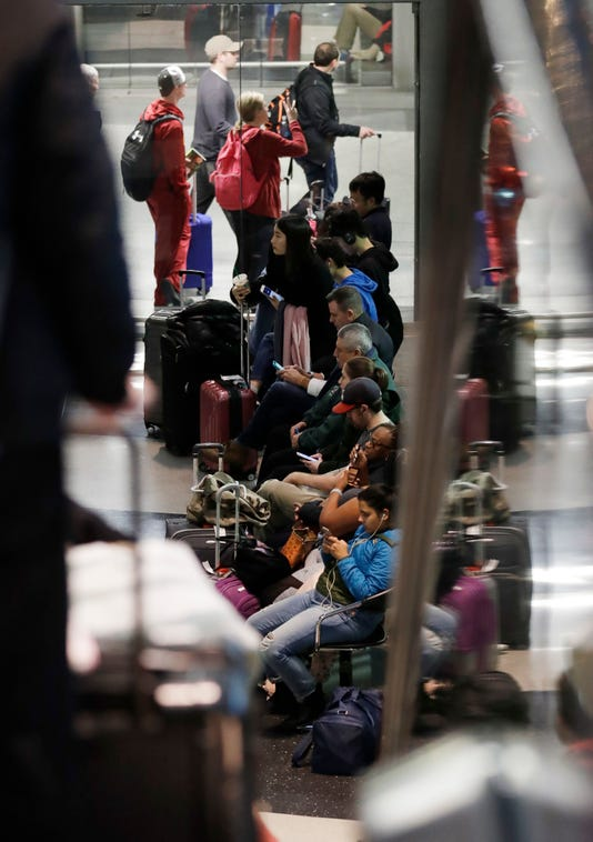 Ap Midwest Snowstorm Holiday Travel A Wea Usa Il