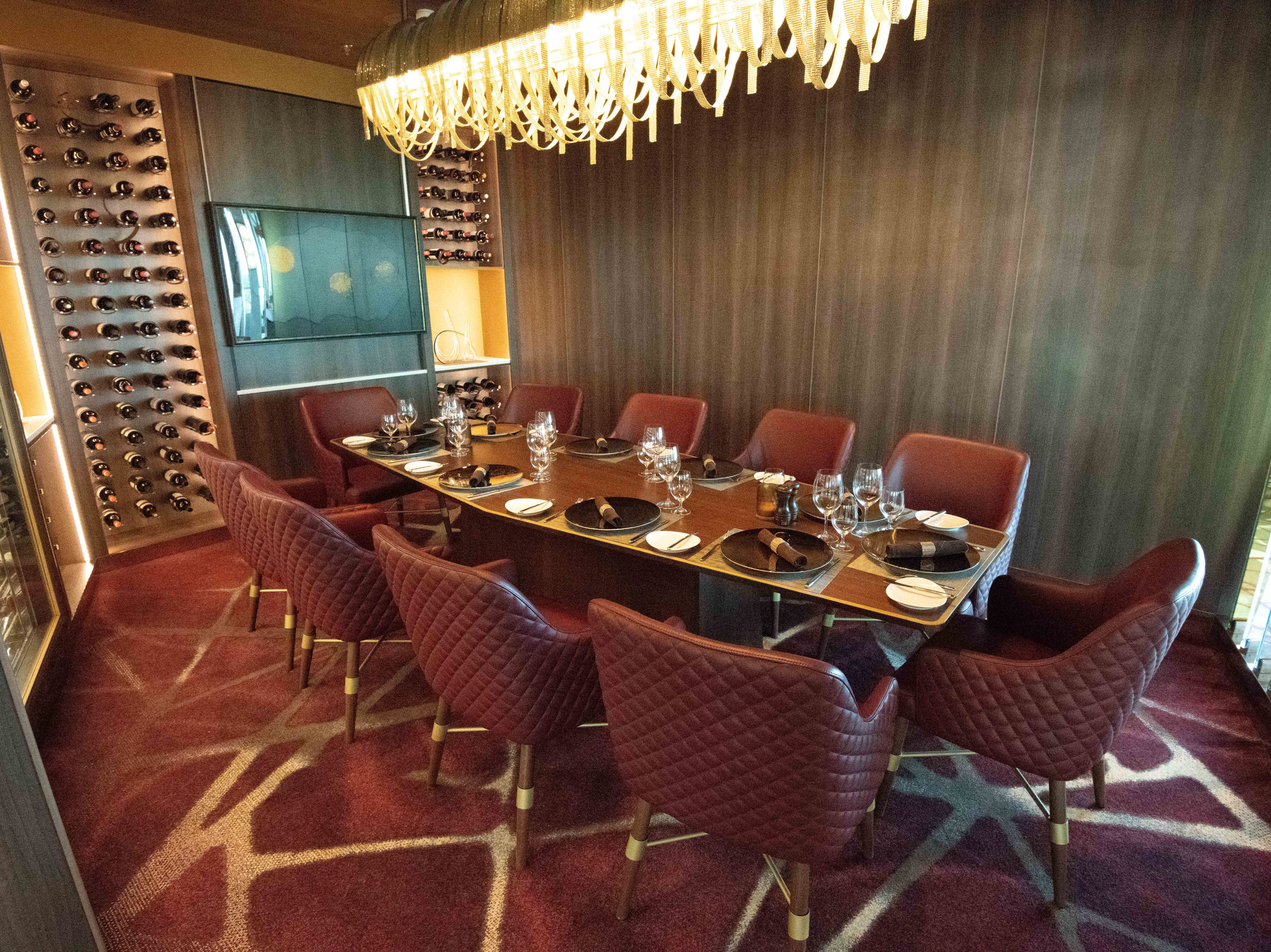 A private dining room is available at Fine Cut Steakhouse.