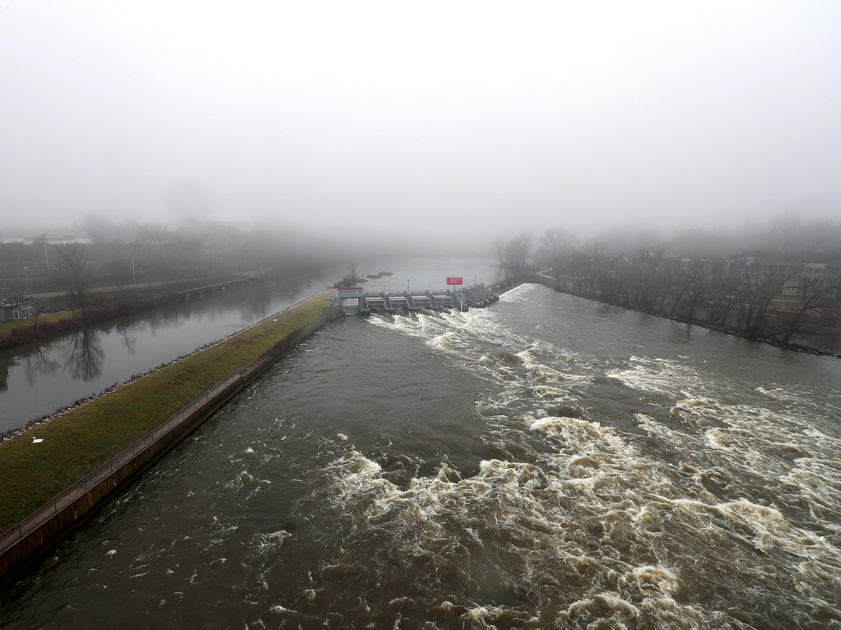 Fog hangs over the Fox River Saturday, Nov. 24, 2018, in Appleton, Wis.Danny Damiani/USA TODAY NETWORK-Wisconsin