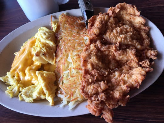 The country-fried chicken at Mitchell's in Cocoa was easily the best our reviewer has ever tasted.