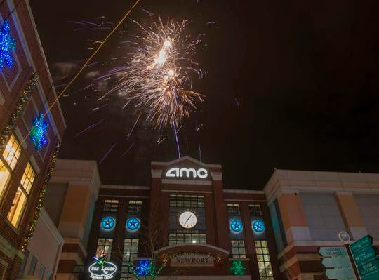 . The 10th Annual Light Up the Levee Celebration kicked off Sunday Nov. 25, 2018 with the 10th Anniversary Fireworks Show.