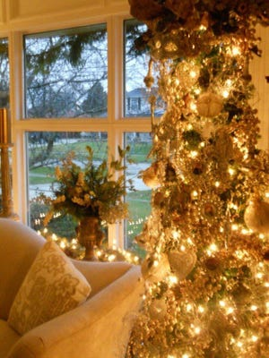 Five homes decked out for the holidays will open their doors for the upcoming Friends of the Rochester Hills Library Holiday Home Tour.