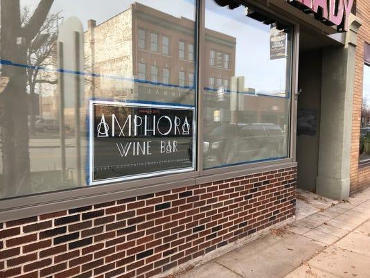 Amphora 2