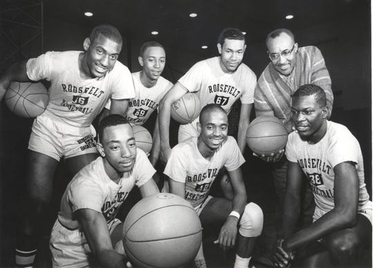 Willie McCarter, second from left in front row, with his 1965 Gary Roosevelt teammates.