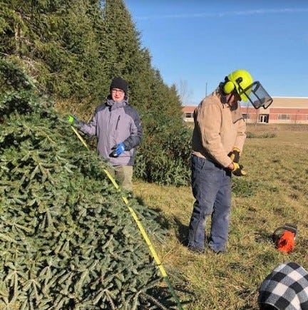 Two Rivers High School class sells Christmas trees | Lisa Quistorf