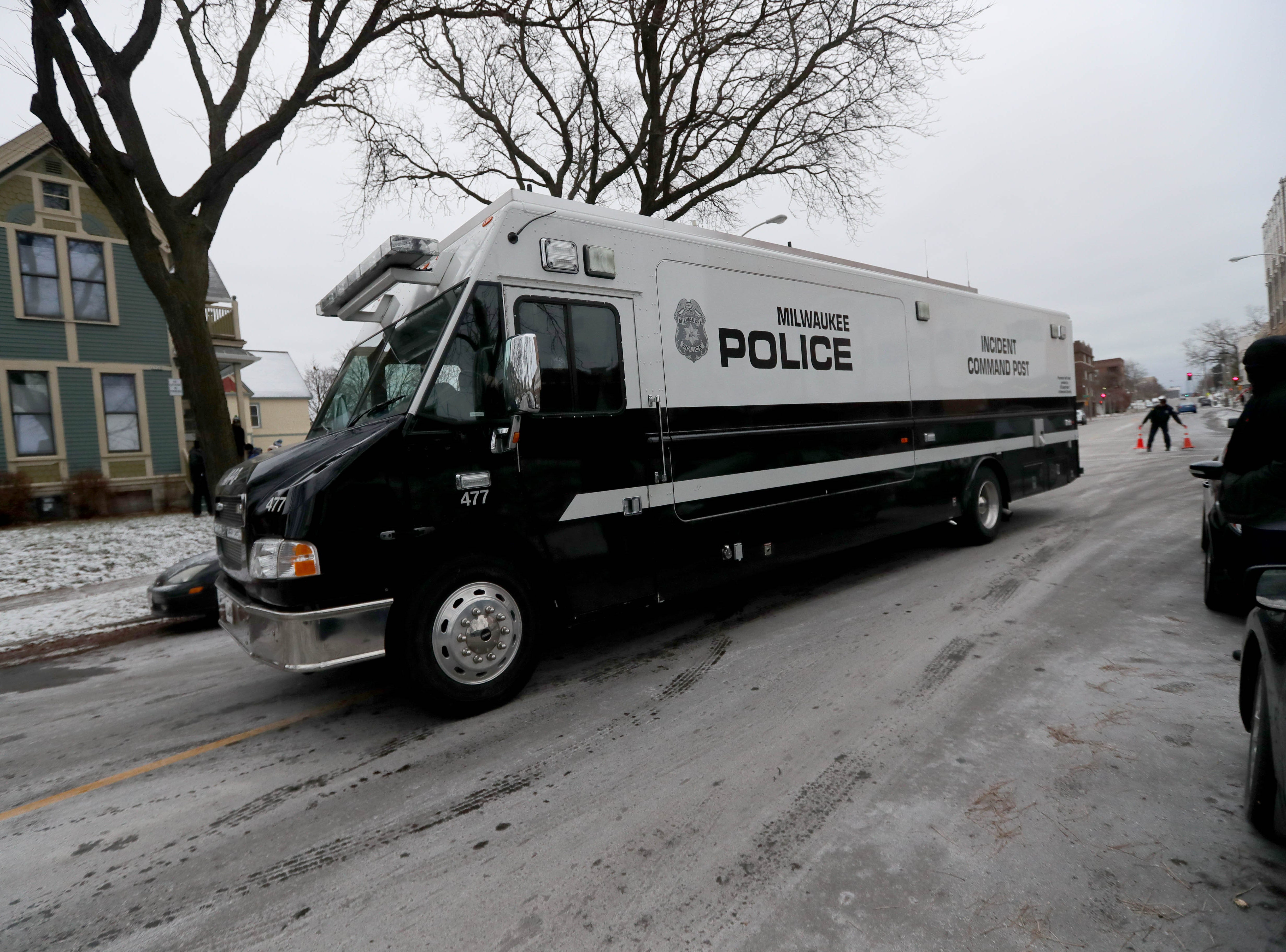 An incident command post arrives on the scene.